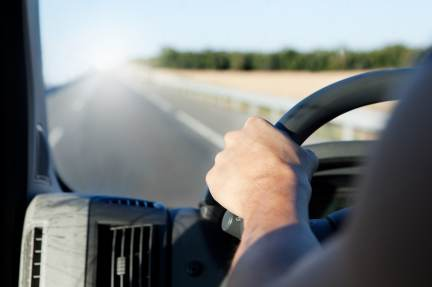La DGT adaptará su normativa para vehículos con Sistema de Estacionamiento Asistido.