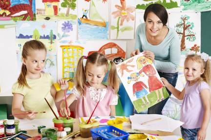 España registra 426.100 nacimientos en 2014