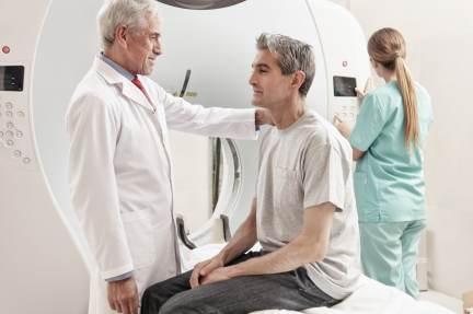 El ministerio de Sanidad convoca más de 6.000 plazas para los médicos internos residentes