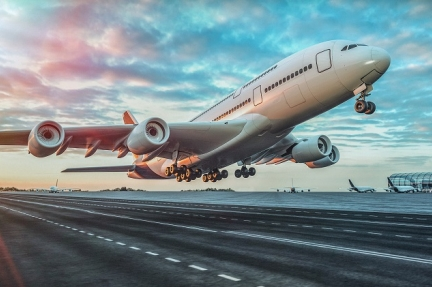 El pasaporte sanitario como medida temporal para los viajes en avión