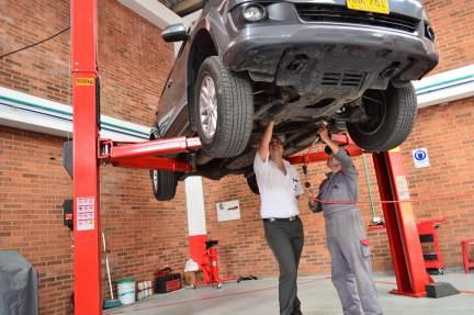 ¡Tenemos que llevar el coche al taller!