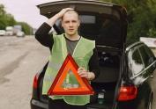 Advertencia de la DGT de cuáles son los seis elementos obligatorios que deben estar dentro del coche