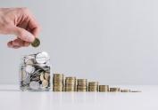 Hacienda cancela la medida de gasto que prohibía a los ayuntamientos emplear su superávit