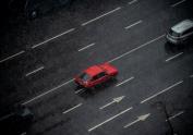 La DGT pone hincapié en su campaña para concienciar a los conductores que deben circular por el carril derecho