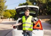 Los triángulos de emergencia darán paso a un nuevo dispositivo luminoso que será obligatorio en todos los vehículos